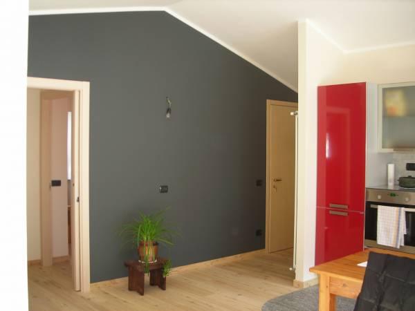 Ristrutturazione di appartamento in stile moderno for Appartamento stile moderno